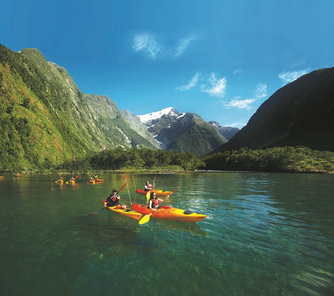Cruise & Kayak Milford Sound