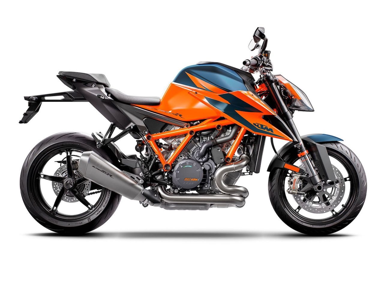 2020-KTM-1290-Super-Duke-R-naked-cycleworld-revista-moto-adventure