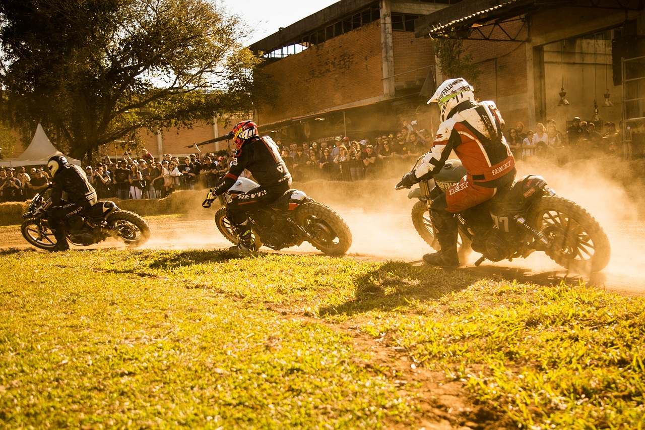 Campeonato-Flat-Track-time-do-Brasil-Cred- Carlos-Anselmo_Revista-moto-adventure