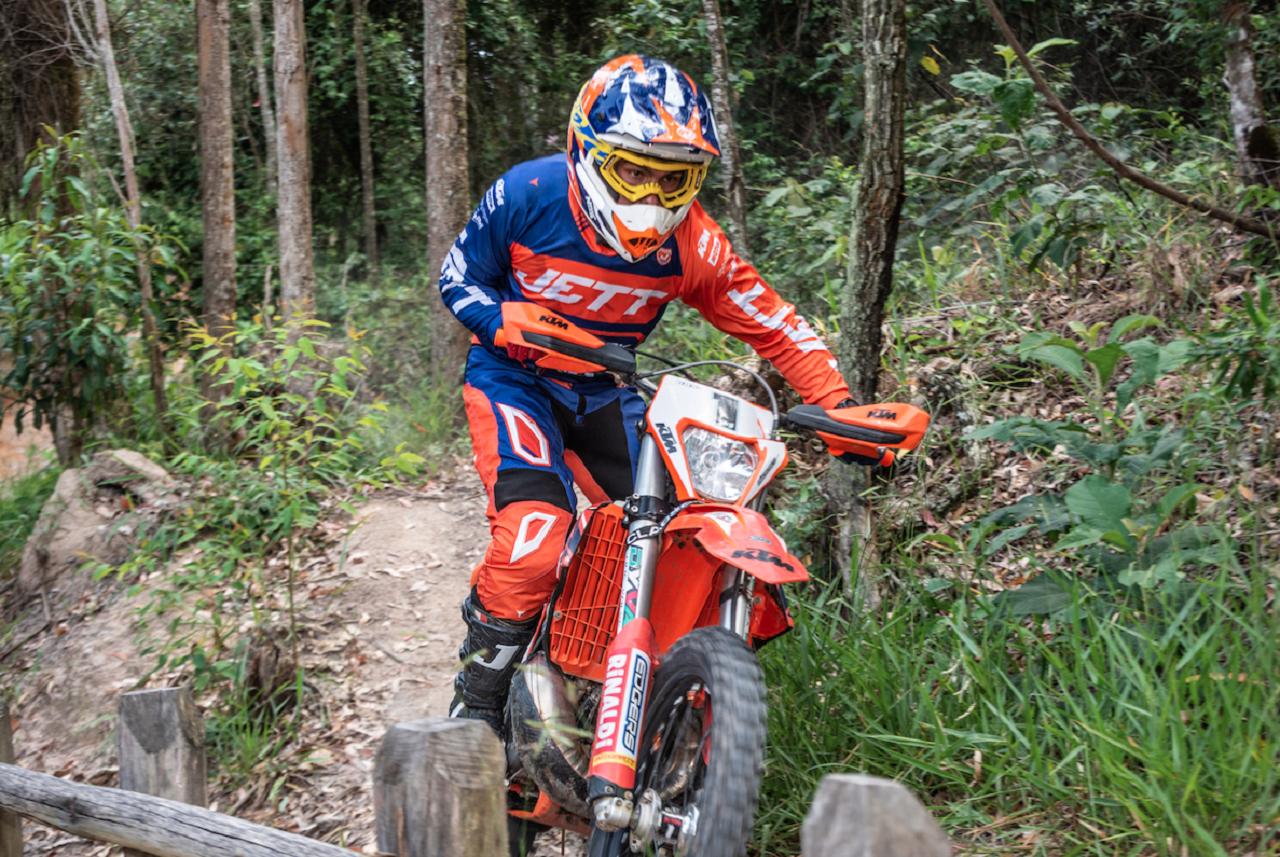 Campeonato_Hard_Enduro-Rigor-Rico-5_Daniela-Burgonovo-revista-moto-adventure