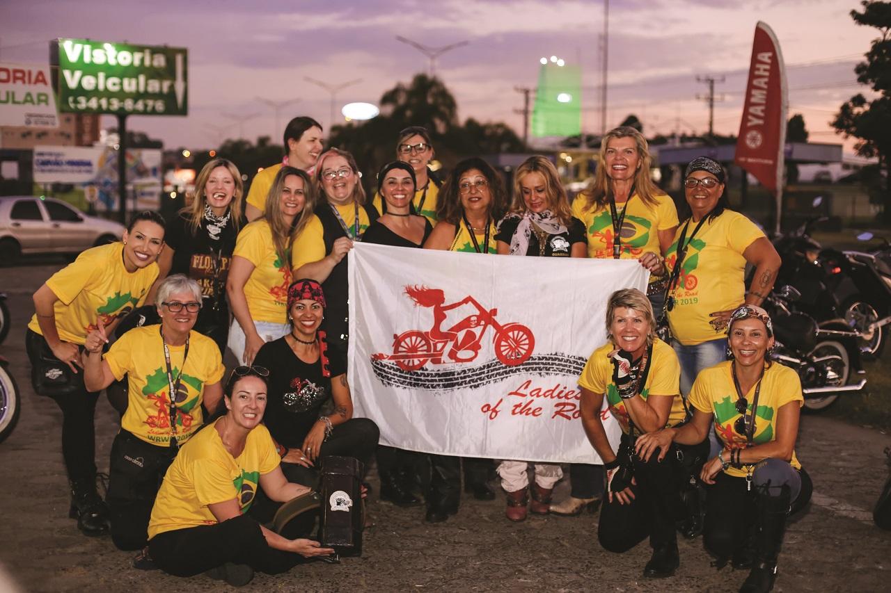 Women-Ride-Word-Relay_Ladies-of-the-road_Revista-moto-adventure-.